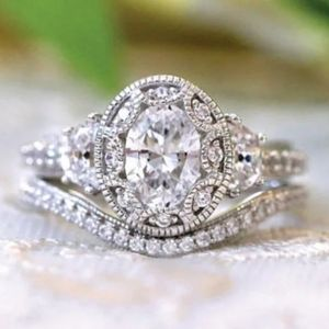NEW 925 STERLING SILVER OVAL SINGLE ENGAGMENT RING